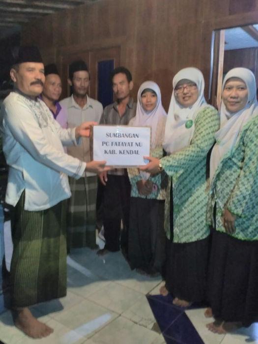 Banjir di kendal jawa tengah, Fatayat NU Salurkan Bantuan Beras dan Sembako